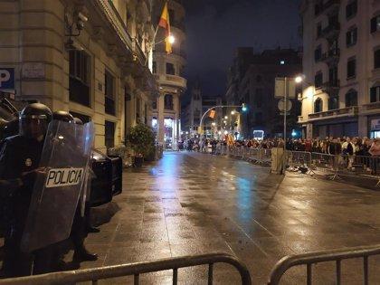 La manifestación de los CDR en Barcelona se detiene ante la Jefatura de Policía