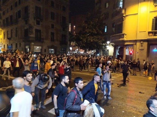 Concentración ante la Jefatura Superior de Policía en Barcelona
