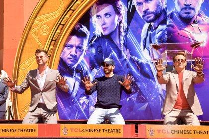 Chris Hemsworth quiere protagonizar un remake de Tres amigos con Chris Evans y Robert Downey Jr.