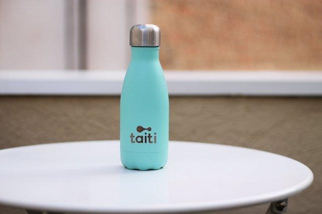Nace Taiti, la empresa que ha lanzado un servicio que reutiliza botellas de agua para combatir la contaminación del plástico de un sólo uso en nuestros océanos