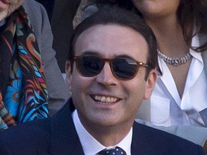 Enrique Ponce, muy preocupado por el estado de salud de su banderillero, Mariano de la Viña