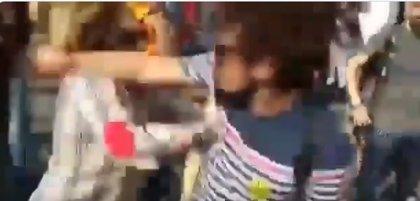 Detienen al hombre acusado de agredir a una mujer que llevaba una bandera española en Tarragona