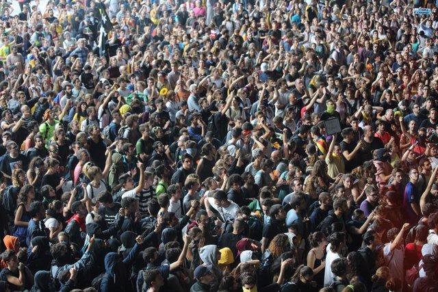 Protestes contra la sentncia a l'Aeroport de Barcelona - el Prat