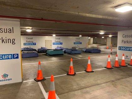Reutilizar espacios abiertos al público cuando no se usan en alojamiento para personas sin hogar, así funciona Beddown