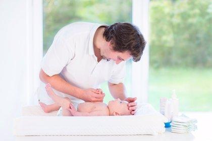 La Unión de Consumidores denuncia a Igualdad a un local por impedir a un padre ir al baño de mujeres a cambiar a su hijo