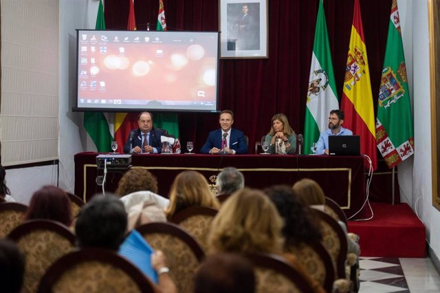 Mesa contra el cáncer de mama en la Diputación de Cádiz