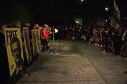 Més de 200 persones es concentren amb espelmes davant dels jutjats de Puigcerdà en contra de la sentència de l'1-O (ACN)