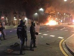 ACTUALIZACIÓ:Batalla campal amb barricades en flames al centre de Barcelona en el marc de les protestes per la sentència (ACN)