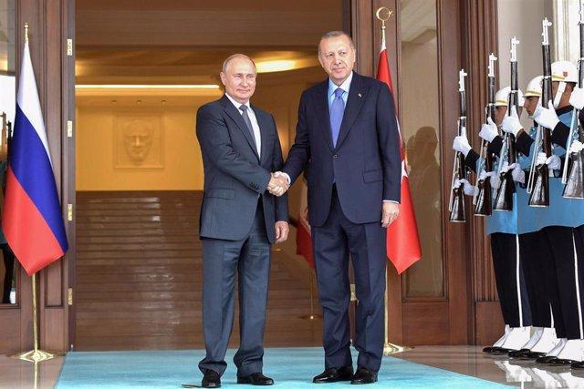 Los presidentes de Rusia y Turquía, Vladimir Putin y Recep Tayyip Erdogan, respectivamente.