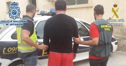 Detenido un interno del CIE de València por hasta 84 robos en casas de campo de Elche y Santa Pola