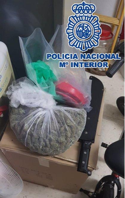 Desmantelan en Torremolinos un punto de venta de drogas y detienen a seis miembros de clan familiar dedicado al menudeo