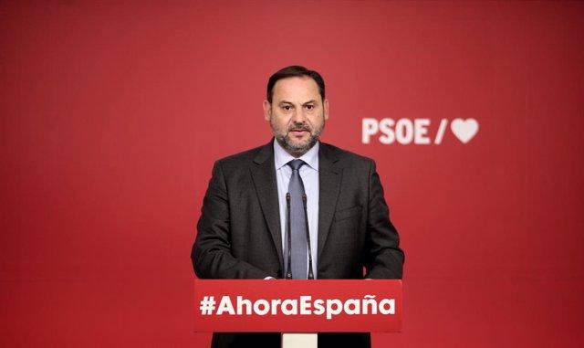 El secretari d'Organització del PSOE, José Luis Ábalos, ofereix una roda de premsa després de conèixer-se la sentència del Tribunal Suprem (TS) sobre el procés independentista català de l'1-O, a la seu del Partit Socialista, Madrid (Espanya) 14 d'octubre.