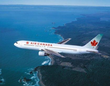 """Air Canada utilizará el término de género neutral """"todos"""" para saludar a sus pasajeros"""