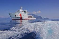 La Guàrdia Costanera italiana trasllada a Lampedusa 180 migrants rescatats (GUARDIA COSTERA)