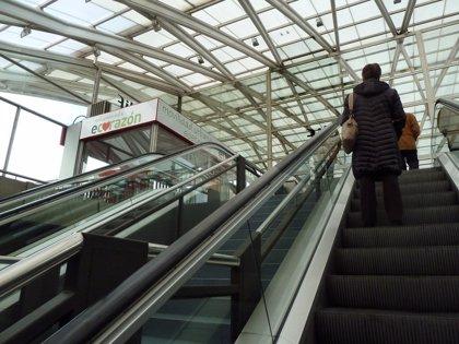 Es probable que utilices de manera incorrecta las escaleras mecánicas y no lo sepas