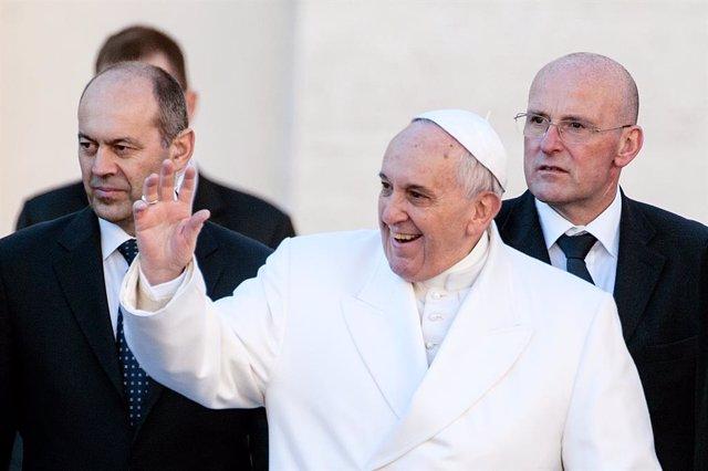 """El Papa: """"Un evangelizador no puede ser impedimento para la obra creadora de Dio"""