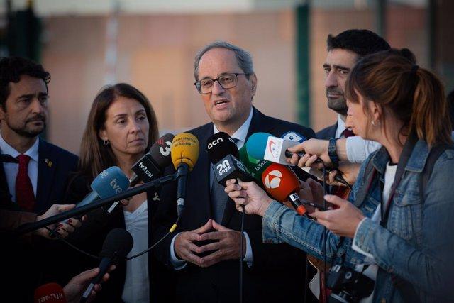 El president de la Generalitat, Quim Torra, davant dels mitjans de comunicació al Centre Penitenciari Lledoners després de la seva visita als líders independentistes condemnats pel procés, a Sant Joan de Torrella (Barcelona) 15 d'octubre del 2019.
