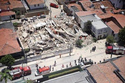 Brasil.- Aumentan a dos los muertos por el derrumbe de un edificio de viviendas en la ciudad brasileña de Fortaleza