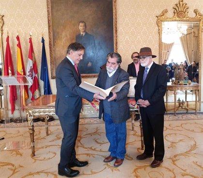 Los poetas Iván Oñate y David Cortés Cabán, nuevos 'Huéspedes Distinguidos' de Salamanca
