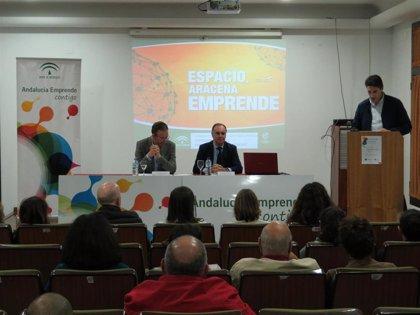 La Junta reconoce en Aracena (Huelva) a los 26 proyectos de empresa creados en un año