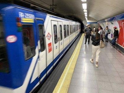 Maquinistas de Metro no desconvocan la huelga de 24 horas para mañana pese al anuncio de que se contratará a 300 más