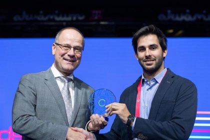 Uno de los impulsores del Hyperloop en la UPV recibe el premio EIT a la Innovación creada en Europa