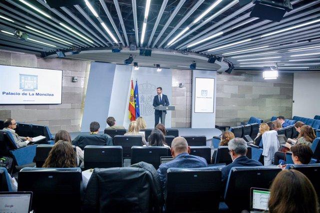 El president del PP, Pablo Casado en roda de premsa  La Moncloa després de la reunió amb el president del Govern en funcions, Pedro Sánchez, per analitzar la situació a Catalunya després de la sentència del judici del 'procés', a Madrid a 16 d'octubre.