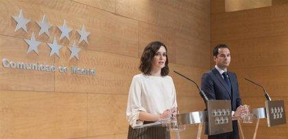 """Ayuso y Aguado trasladan """"todo"""" su apoyo al cámara de Telemadrid agredido en Cataluña"""