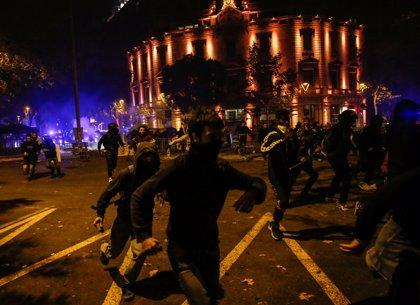 Así te hemos contado la cuarta noche de disturbios en Cataluña