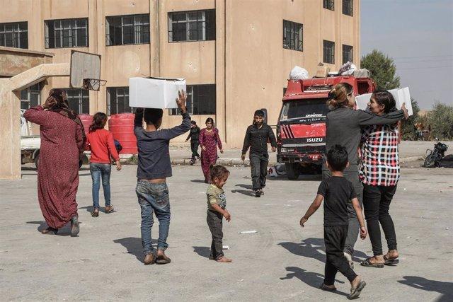 Desplazados por la ofensiva de Turquía en el noreste de Siria