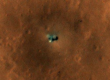 La mejor vista orbital del aterrizador InSight de la NASA en Marte
