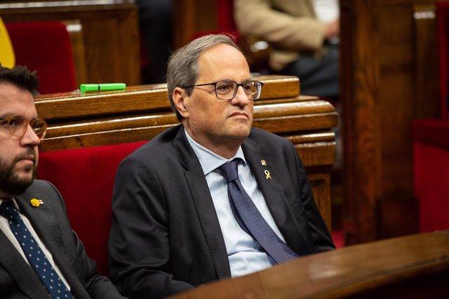 El president de la Generalitat de Catalunya, Quim Torra, assegut al seu escó durant la sessió plenària celebrada al Parlament tres dies després de conèixer-se la sentència del procés, Barcelona (Catalunya, Espanya), 17 d'octubre del 2019.