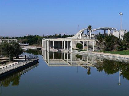 Reabierto el estanque del Juan Carlos I a las actividades deportivas tras garantizarse la calidad del agua