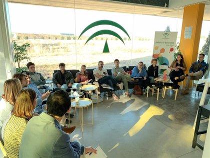 La Cátedra Andalucía Emprende de la Pablo de Olavide inicia su desayuno con emprendedores con Factory Matters