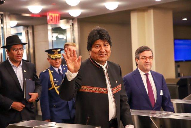 Bolivia.- Morales, a por su cuarta reelección en Bolivia con un resultado incier