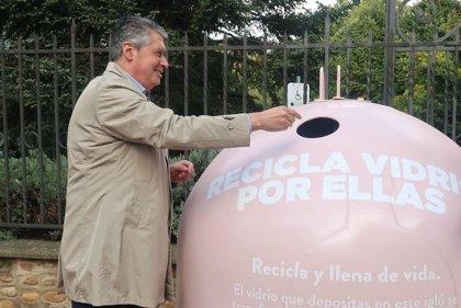 El Ayuntamiento de León y Ecovidrio se unen para fomentar el reciclaje y luchar contra el cáncer de mama