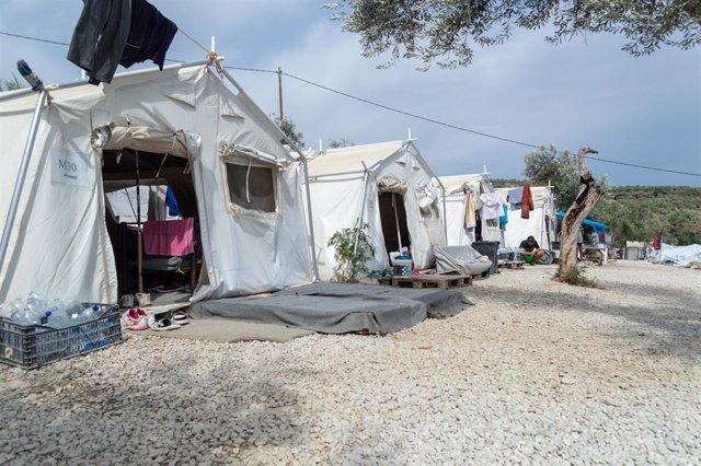 Tiendas de campaña en el campo de refugiados de Moria