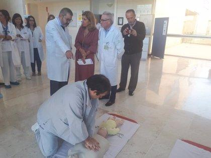 El Hospital de Puente Genil (Córdoba) explica a la población cómo actuar frente a una parada cardiorrespiratoria