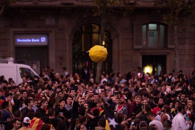Manifestació contra la sentència als Jardinets de Gràcia de Barcelona