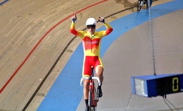 Sebastián Mora, en el Campionat d'Europa de ciclisme en pista.