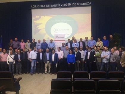 Reyes aboga por unión de cooperativas para hacer frente a retos del sector agroalimentario