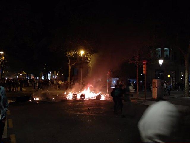 Barricades d'activistes contra la sentència del processo independentista