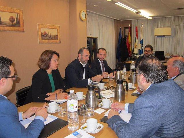 El eurodiputado de Cs, José Ramón Bauzà, participa en Logroño en una reunión con la FER