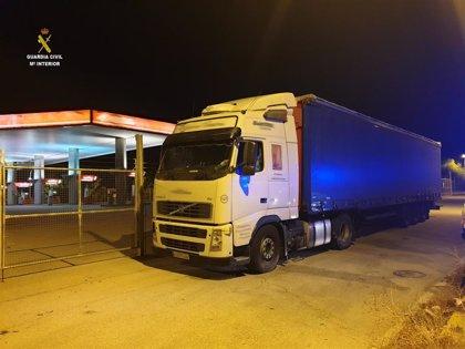 Interceptado en Marchena (Sevilla) un camionero que circulaba ebrio y en sentido contrario por la A-92