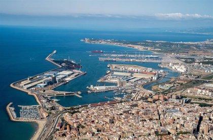 Reabierta la entrada y salida de camiones del Puerto de Tarragona