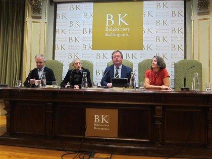 Juan Carlos Etxegoien 'Xamar' eta Isabel Etxeberria dira Saiakerako eta Itzulpengintzako Euskadi saridunak