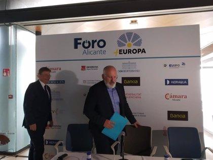 """Timmermans reclama un salario mínimo """"justo"""" en toda la Unión Europea para salvar la clase media y evitar conflictos"""