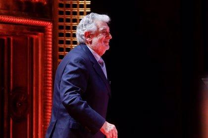 Plácido Domingo recibe una cálida ovación durante un recital en Moscú, donde interpretó 'Bésame mucho' entre otros temas