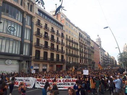 13.800 estudiantes se manifiestan en Barcelona por la huelga
