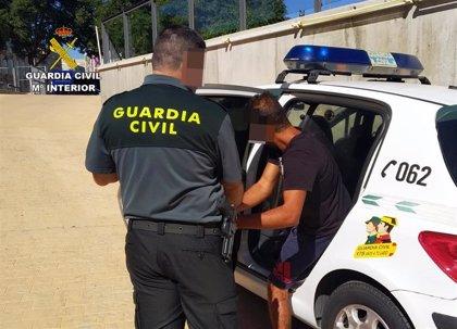 Guardia Civil detiene a un individuo en Sangonera por cometer presuntamente varios robos con violencia